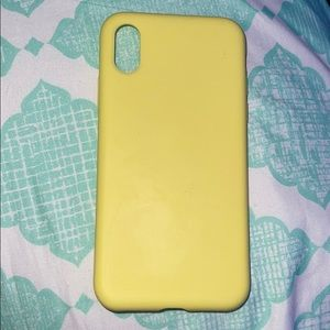 IPhone X/XS Silicone Yellow case